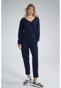 Figl - Bawełniane Spodnie z Rozciętą Nogawką - Granatowe. Kolor: niebieski. Materiał: bawełna