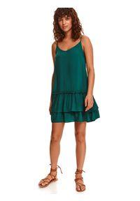 TOP SECRET - Sukienka na cienkich ramiączkach z podwójną falbaną. Kolor: zielony. Materiał: dzianina. Długość rękawa: na ramiączkach. Sezon: lato. Styl: wakacyjny. Długość: mini