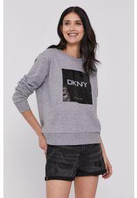 DKNY - Dkny - Bluza. Kolor: szary. Materiał: dzianina. Długość rękawa: długi rękaw. Długość: długie. Wzór: nadruk