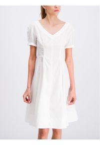 iBlues Sukienka codzienna Norme 72211292 Biały Regular Fit. Okazja: na co dzień. Kolor: biały. Typ sukienki: proste. Styl: casual #1