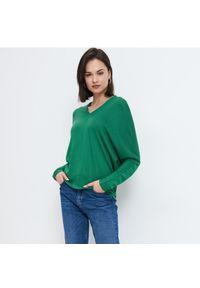 Mohito - Wiskozowa bluzka oversize - Zielony. Kolor: zielony. Materiał: wiskoza