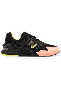 Buty sportowe New Balance w kolorowe wzory