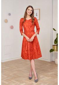 Marie Zélie - Sukienka Elina Tarsia czerwona. Kolor: czerwony. Materiał: bawełna, satyna, materiał. Typ sukienki: rozkloszowane. Styl: klasyczny