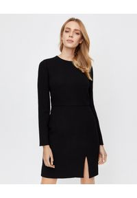 Czarna sukienka mini VALENTINO z długim rękawem, dopasowana, biznesowa