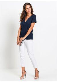 Białe jeansy bonprix w koronkowe wzory