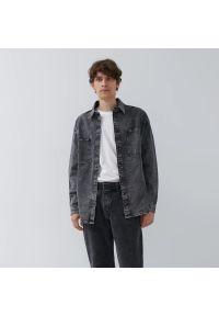 House - Jeansowa koszula z kieszeniami - Szary. Kolor: szary. Materiał: jeans