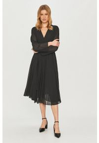 Samsoe & Samsoe - Samsoe Samsoe - Sukienka. Kolor: czarny. Materiał: tkanina. Długość rękawa: długi rękaw. Wzór: gładki. Typ sukienki: plisowane