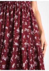 Sukienka z krótkim rękawem bonprix bordowy w kwiaty. Kolor: czerwony. Długość rękawa: krótki rękaw. Wzór: kwiaty. Długość: maxi