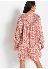 Sukienka oversize bonprix stary jasnoróżowy - paisley. Kolor: różowy. Wzór: paisley. Typ sukienki: oversize. Styl: retro