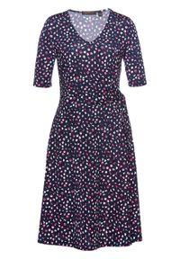 Niebieska sukienka bonprix z nadrukiem, z krótkim rękawem, z dekoltem w serek