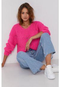 Frieda & Freddies - Sweter z domieszką wełny. Kolor: różowy. Materiał: wełna. Długość rękawa: długi rękaw. Długość: długie. Wzór: ze splotem