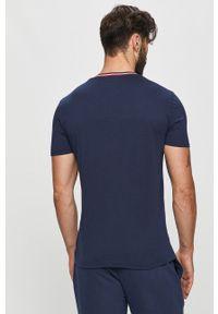 Niebieski t-shirt TOMMY HILFIGER z okrągłym kołnierzem, z nadrukiem, na co dzień