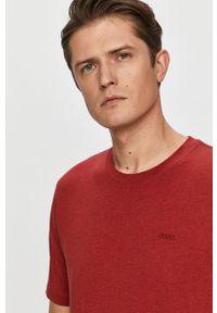 Czerwony t-shirt Hugo z aplikacjami
