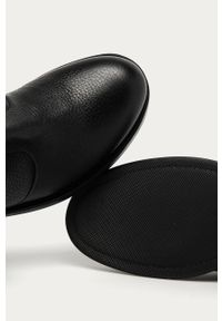 Czarne botki Hugo z okrągłym noskiem, z cholewką