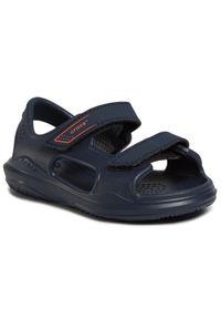 Niebieskie sandały Crocs na lato, klasyczne