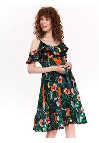 TOP SECRET - Sukienka damska zdobiona falbanami i koronką. Kolor: zielony. Materiał: koronka. Długość rękawa: na ramiączkach. Wzór: aplikacja, koronka. Sezon: lato, wiosna. Typ sukienki: koszulowe, z odkrytymi ramionami. Styl: elegancki
