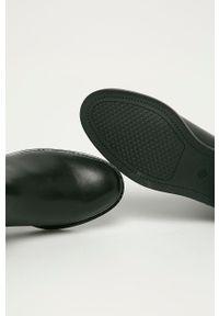 Marco Tozzi - Sztyblety skórzane. Nosek buta: okrągły. Kolor: czarny. Materiał: skóra