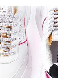 PREMIUM BASICS - Sneakersy z wegańskiej skóry Golden Match. Nosek buta: okrągły. Kolor: biały. Materiał: jeans, materiał. Szerokość cholewki: normalna. Wzór: aplikacja