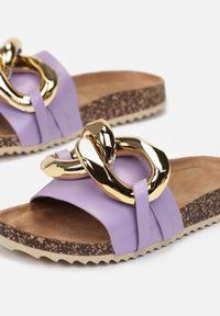 Born2be - Liliowe Klapki Phileila. Kolor: fioletowy. Materiał: jeans. Wzór: aplikacja