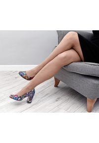 Czółenka Zapato na imprezę, z okrągłym noskiem, eleganckie, w kolorowe wzory