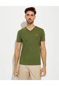 Ralph Lauren - RALPH LAUREN - Zielony t-shirt w serek Slim Fit. Typ kołnierza: dekolt w serek. Kolor: zielony. Materiał: bawełna. Wzór: haft