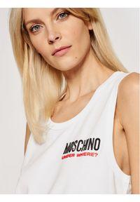 Moschino Underwear & Swim - MOSCHINO Underwear & Swim Sukienka codzienna 4003 9021 Biały Regular Fit. Okazja: na co dzień. Kolor: biały. Typ sukienki: proste. Styl: casual