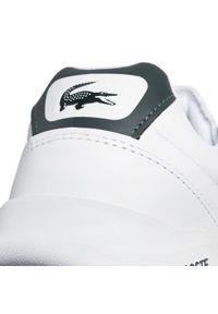 Lacoste - Sneakersy LACOSTE - Game Advance 0721 2 Sma 7-41SMA00581R5 Wht/Dk Grn. Okazja: na co dzień. Kolor: biały. Materiał: skóra. Szerokość cholewki: normalna. Styl: casual, klasyczny, sportowy