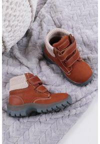 Brązowe buty zimowe Casu na rzepy