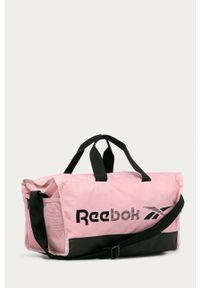 Różowa torba podróżna Reebok z nadrukiem