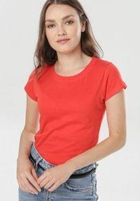 Born2be - Czerwony T-shirt Himenara. Kolor: czerwony