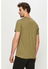 Zielony t-shirt Jack Wolfskin na co dzień, z nadrukiem, casualowy