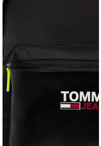 Czarny plecak Tommy Jeans z nadrukiem