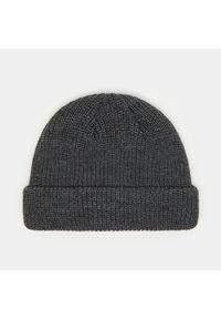 Szara czapka Sinsay