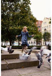 Marie Zélie - Płaszcz wełniany Achillea niebieski. Kolor: niebieski. Materiał: wełna. Wzór: motyw zwierzęcy, ze splotem. Sezon: zima #3