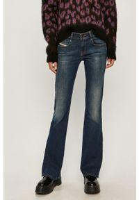 Niebieskie jeansy bootcut Diesel w kolorowe wzory