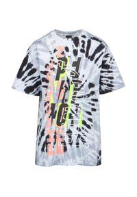 PE Nation - T-shirt P.E. NATION SCORE RUNNER. Materiał: materiał, bawełna. Długość: krótkie. Wzór: kolorowy, nadruk