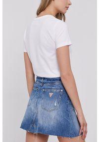 Guess - Spódnica jeansowa. Okazja: na co dzień. Kolor: niebieski. Materiał: jeans. Styl: casual