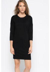 Vero Moda - Sukienka. Okazja: na co dzień. Kolor: czarny. Materiał: dzianina. Wzór: gładki. Typ sukienki: proste. Styl: casual