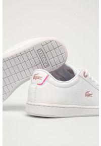 Białe buty sportowe Lacoste na sznurówki, z cholewką