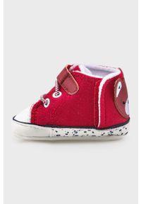 Czerwone buty sportowe Mayoral Newborn z cholewką, z okrągłym noskiem, na rzepy