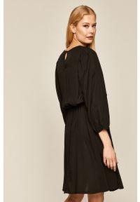 Czarna sukienka medicine rozkloszowana, mini, z okrągłym kołnierzem, boho