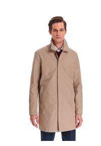 TOP SECRET - Płaszcz męski typu prochowiec. Kolor: beżowy. Długość: długie. Sezon: jesień