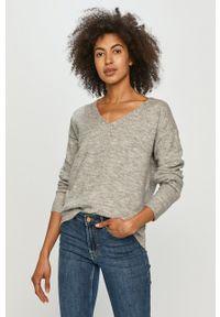 Pieces - Sweter. Kolor: szary. Długość rękawa: długi rękaw. Długość: długie