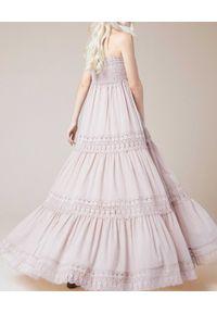 Beżowa sukienka na lato, maxi, z odkrytymi ramionami