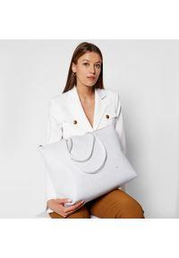 Biała torebka klasyczna Blumarine skórzana