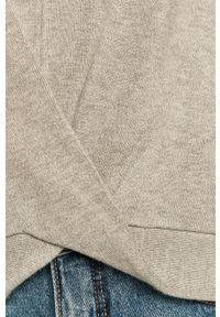 Guess Jeans - Sweter. Typ kołnierza: kaptur. Kolor: szary. Materiał: jeans. Długość rękawa: długi rękaw. Długość: długie