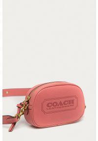 Coach - Torebka skórzana. Kolor: różowy. Materiał: skórzane. Rodzaj torebki: na ramię