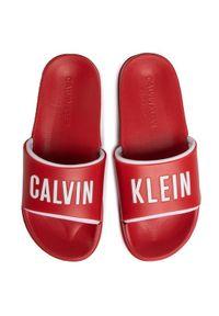 Calvin Klein Swimwear Klapki Slide KM0KM00495 Czerwony. Kolor: czerwony