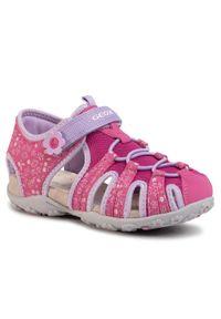 Różowe sandały Geox na lato