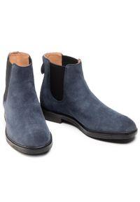 Niebieskie buty zimowe Clarks z cholewką, klasyczne